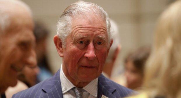 Książę Karol jest chory na koronawirusa. Jak się czuje