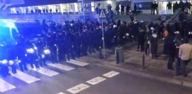 Strajk Kobiet/ screen z video https://tvn24.pl/