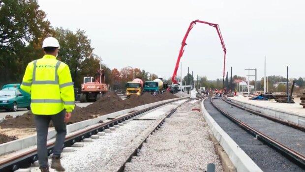 Budowa torów tramwajowych/ Screen Youtube