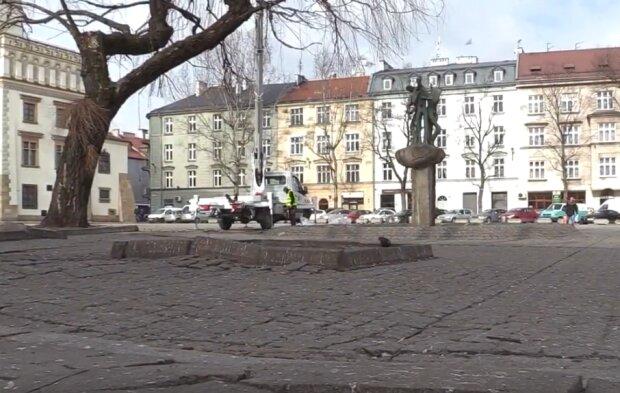 Kraków: w tym miejscu już nie można parkować samochodów i innych pojazdów. Urzędnicy podali, że parking został zlikwidowany