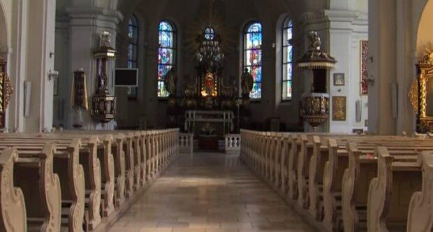 Koronawirus w kościele. Źródło: Youtube
