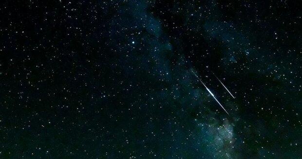 Dzisiejszej nocy czeka nas niesamowite zjawisko. O której godzinie warto spojrzeć na niebo