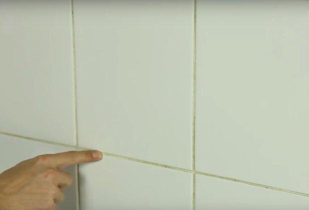 czyszczenie fug / YouTube: Castorama Polska