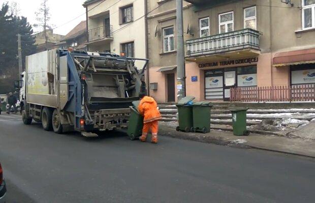 Wywóz śmieci/ Screen youtube