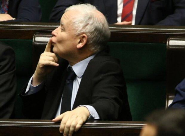 ZUS obniżył emeryturę Jarosława Kaczyńskiego. Pomimo tego, prezes nadal dostaje co miesiąc kokosy