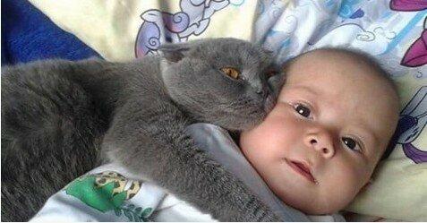 Nikt nie zabrał dziecka z pokoju porodowego mimo, że bardzo mocno płakało. Ta historia wzrusza do łez