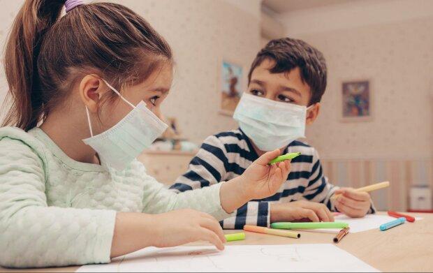 Małopolska: ogniska koronawirusa w przedszkolu i liceum z coraz większą liczbą zakażeń. Sytuacja jest rozwojowa, trwają działania epidemiologiczne