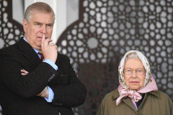 Książę Andrzej po raz kolejny ukarany za swoją przeszłość. Królowa Elżbieta II zakazała mu imprezy urodzinowej