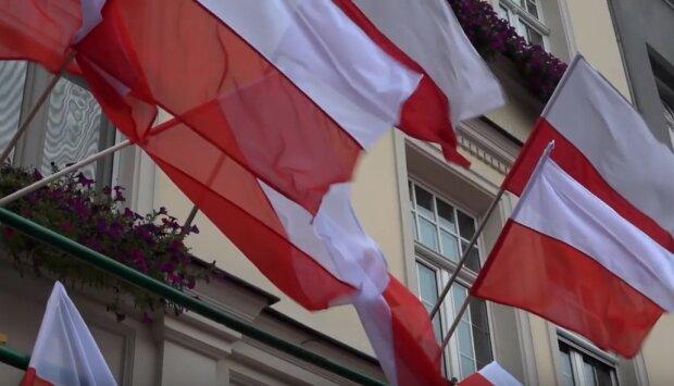 Gdańsk: miasto zostało przyozdobione na biało i czerwono. Dzisiaj obchodzimy w Polsce Święto Niepodległości