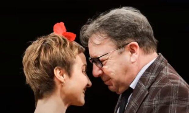 Zbigniew Zamachowski i Gabreila Muskała w spektaklu/YouTube @Najnowsze Wiadomości 24H