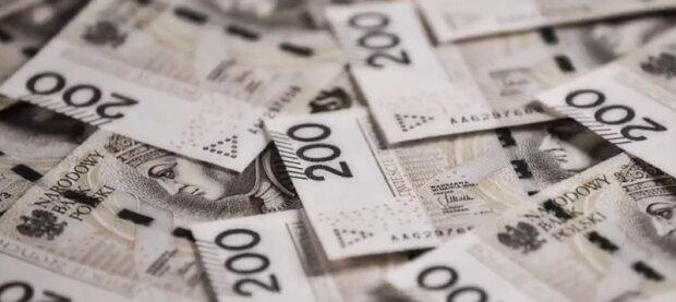 Tysiące emerytów może liczyć na dodatkowe 200 złotych co miesiąc. Komu będą przysługiwały