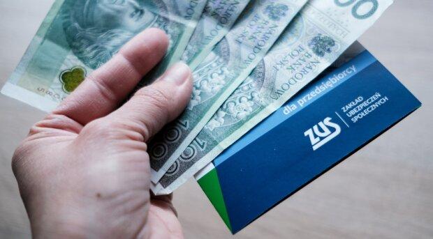 Polacy otrzymają pieniądze od ZUS. Źródło: gazetaprawna.pl