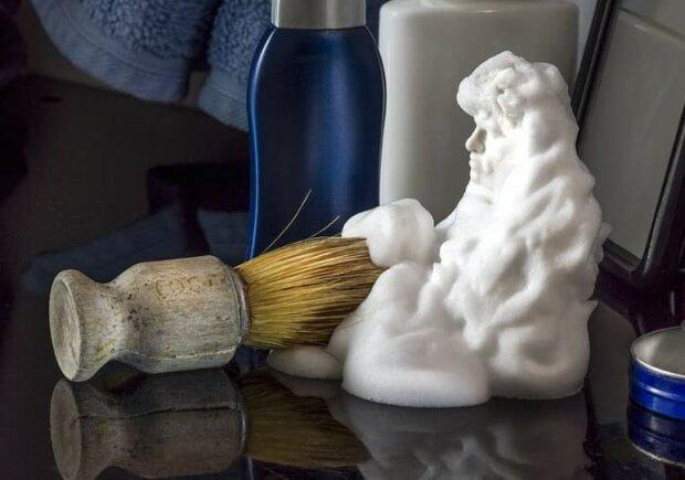 Pianka do golenia ma rozmaite zastosowania w domu!/screen Pikrepo