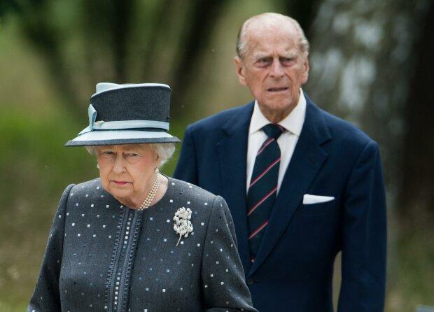 Królowa Elżbieta, książę Filip/ https://www.fakt.pl/