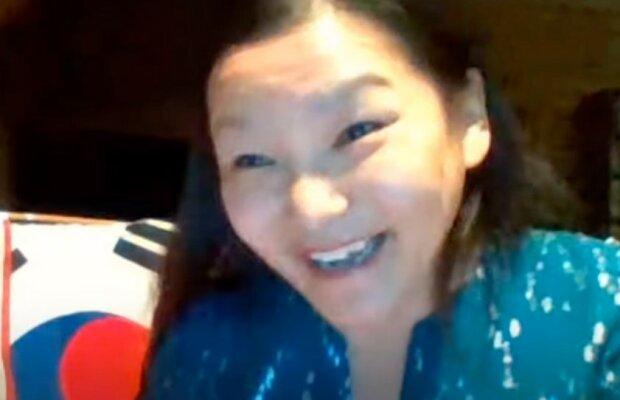 Kobieta odnaleziona przez biologiczną rodzinę po 44 latach/screen Youtube @KOREA NOW