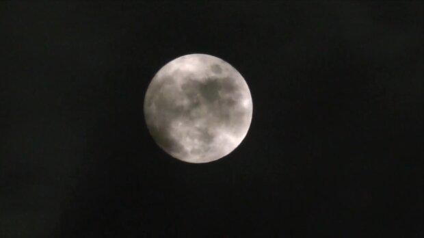 Pełnia Wilczego Księżyca. Źródło: Youtube Ilona Hadaś