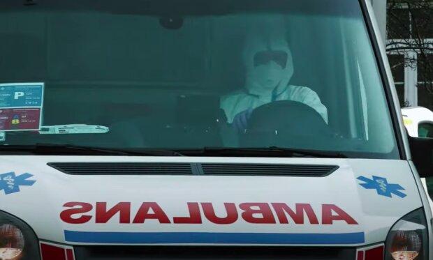 Ratownicy medyczni są bezsilni! / YouTube:  OKO.press
