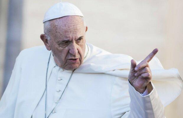 Tajemnice Papieża Franciszka powoli wychodzą na jaw. W międzyczasie poznajmy jego codzienność. Z czego zrezygnował Papież