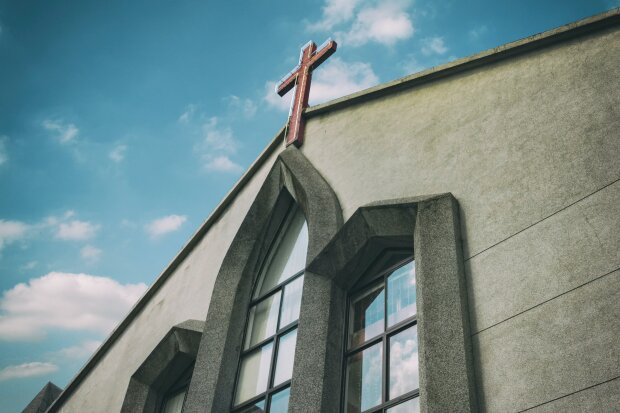 Kościół/ unsplash.com