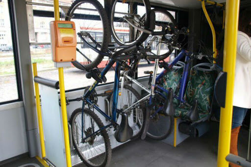 Gdańsk: chłopak wyproszony z autobusu za złe nadzorowanie swojego roweru. Pasażerowie krytykują zachowanie kierowcy