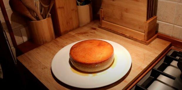Pyszny deser bez pieczenia i mąki, screen Youtube