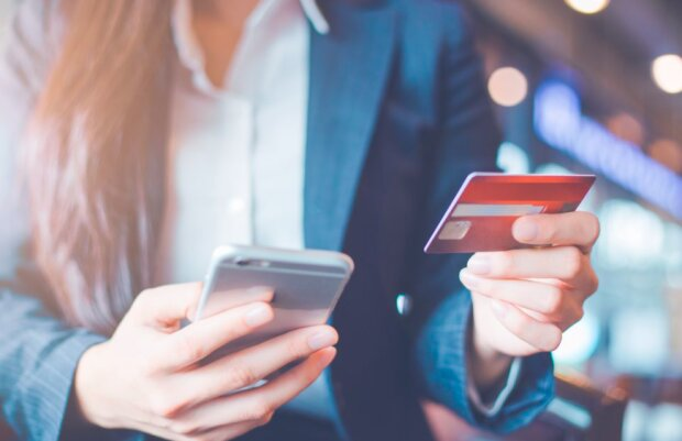 Uważajmy podczas korzystania z bankowości online! / expatica.com