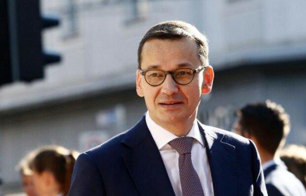 Premier Mateusz Morawiecki pochwalił się miło spędzonym czasem z bliskimi. Na wakacyjnym wypadzie miał przy sobie sznurek paparazzich