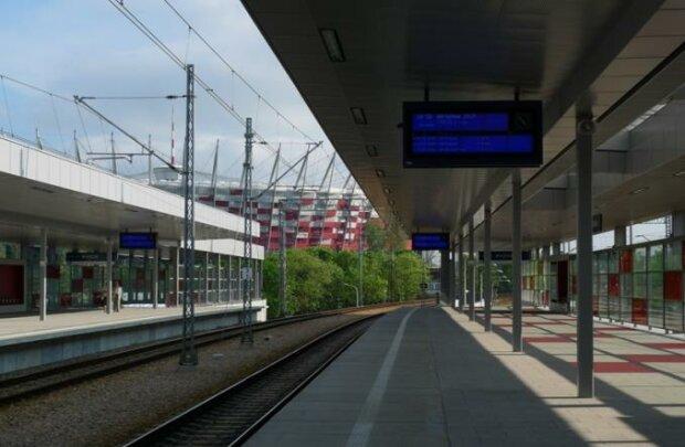 Dworzec Wschodni, Warszawa/ https://www.transport-publiczny.pl/