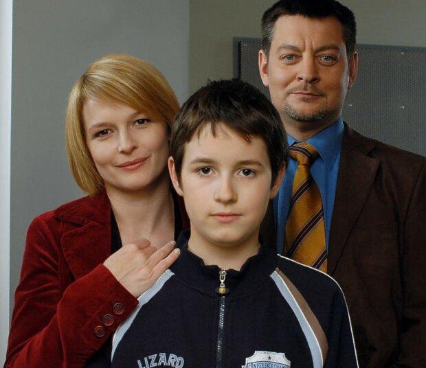 """""""M jak miłość"""" przyniosło sławę temu dziecięcemu aktorowi. Jak wygląda i czym się zajmuje dzisiaj serialowy Łukasz Mostowiak"""