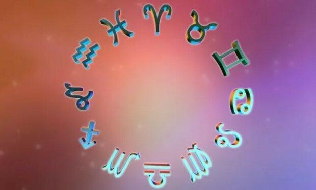 Horoskop październikowy 2020 roku. Co nas czeka i kto powinien mieć się na baczności