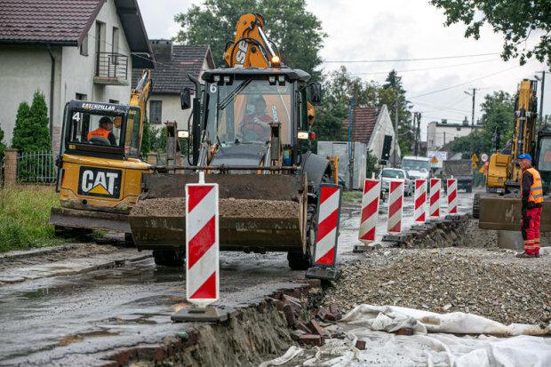 Kraków: co już zrobiono na ulicy Klasztornej podczas trwającej przebudowy? Prace powoli postępują [ZDJĘCIA, WIDEO]