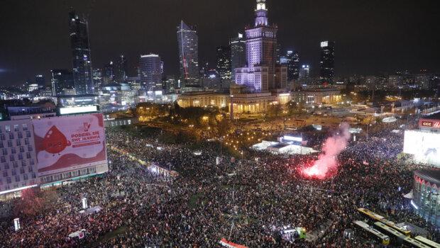 Strajk kobiet/ https://wiadomosci.radiozet.pl/
