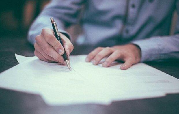 Mężczyzna napisał żonie list, że odchodzi z jej siostrą. Gdy przeczytał odpowiedź, zrobił coś, czego sam się po sobie nie spodziewał