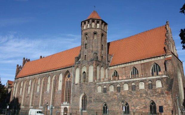 Gdańsk: kościół św. Mikołaja został otwarty. W uroczystości wzięli udział przedstawiciele magistratu, zakonnicy i parafianie