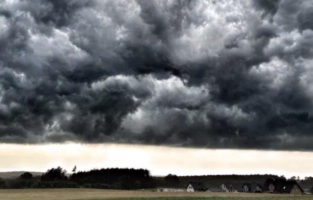 Niebezpieczna pogoda/YouTube @Vallord Mix