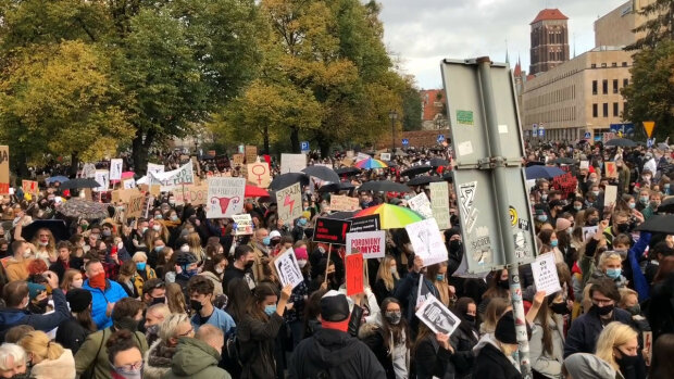 Protestów na ulicach Trójmiasta ciąg dalszy. Jak wyglądają pochody na ulicach miast