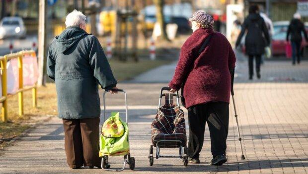 Kobiety emerytki nie będą zadowolone z tych wieści. Świadczenia mogą być nawet o 20% niższe