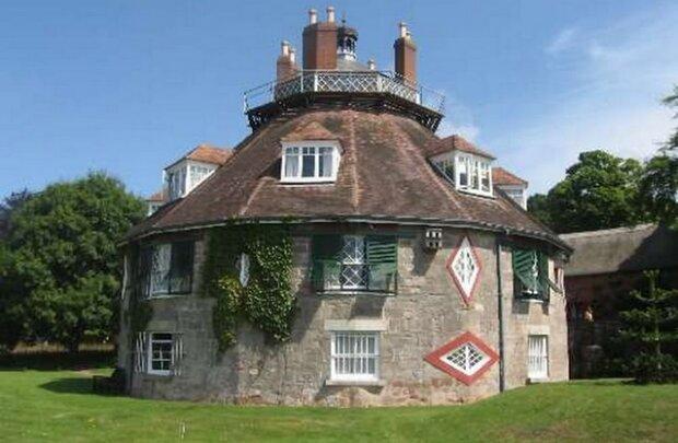 Niezwykły dom z osiemnastego wieku. Czas w tym dziwnym miejscu zatrzymał się
