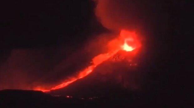 Erupcja Etny/źródło: Twitter