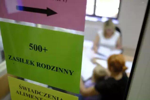 Czy to koniec programu 500 plus w obecnej formie? Polacy chcą zmian i większej kontroli