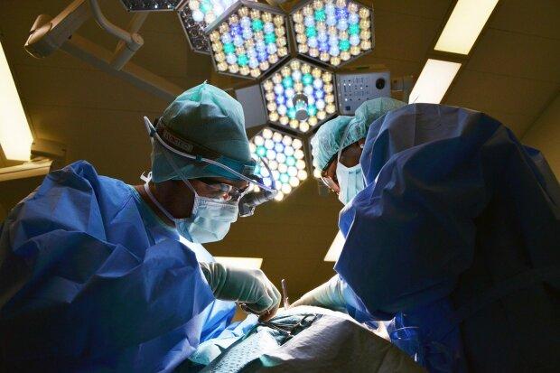 Kraków: lekarze apelują do młodych ludzi. Coraz więcej z mich ma poważne problemy z sercem