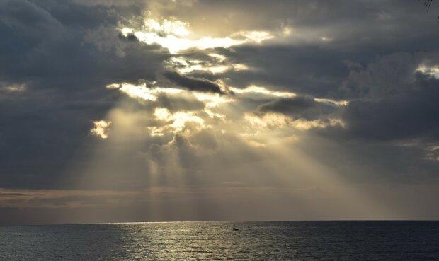 Po czym poznać, że bliska nam osoba trafiła do Nieba? Te trzy symptomy pomogą w to uwierzyć