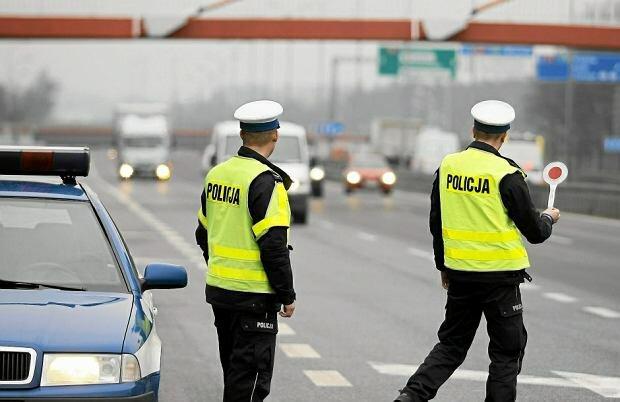 Gdańsk: wspaniała akcja drogówki. Policjanci odzyskali samochód warty kilkaset tysięcy i zatrzymali poszukiwanego