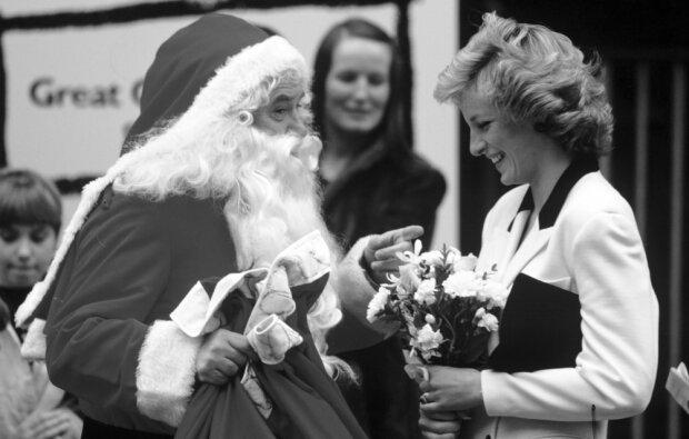 Opublikowano treść prywatnego listu księżnej Diany. Opisała w nim Boże Narodzenie w rodzinie królewskiej