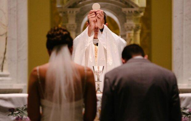 Przełomowe zmiany w prawie kościelnym. Katoliccy księża będą mogli mieć żony