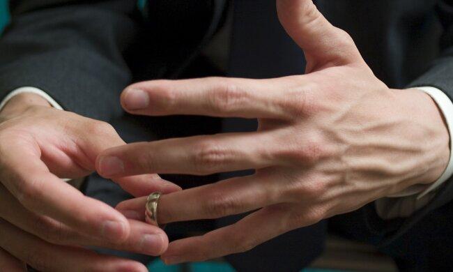 Czy ksiądz może wziąć ślub? Odpowiedź jest zaskakująca
