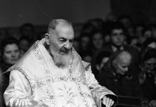 Modlitwa ojca Pio, która działa cuda. Skuteczna w sprawach trudnych i beznadziejnych