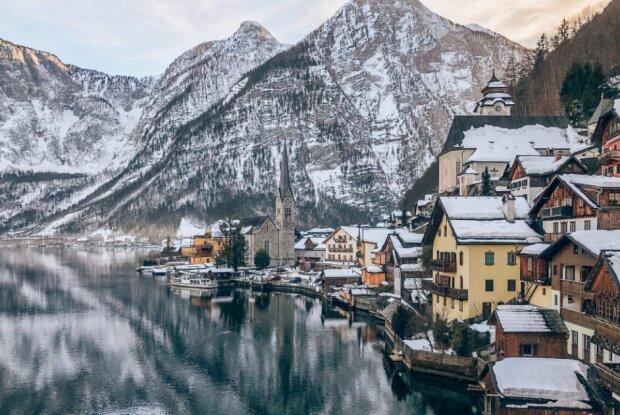 Nowe najpiękniejsze miasteczko w Europie. Turyści nie mają się gdzie pomieścić