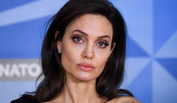Angelina Jolie wcale nie chciała wziąć ślub z Bradem Pittem? Na jaw wyszło zaskakujące wyznanie