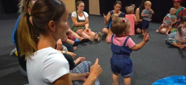 Kraków: dobra wiadomość dla rodziców i maluchów. Oddano do użytku trzy place zabaw